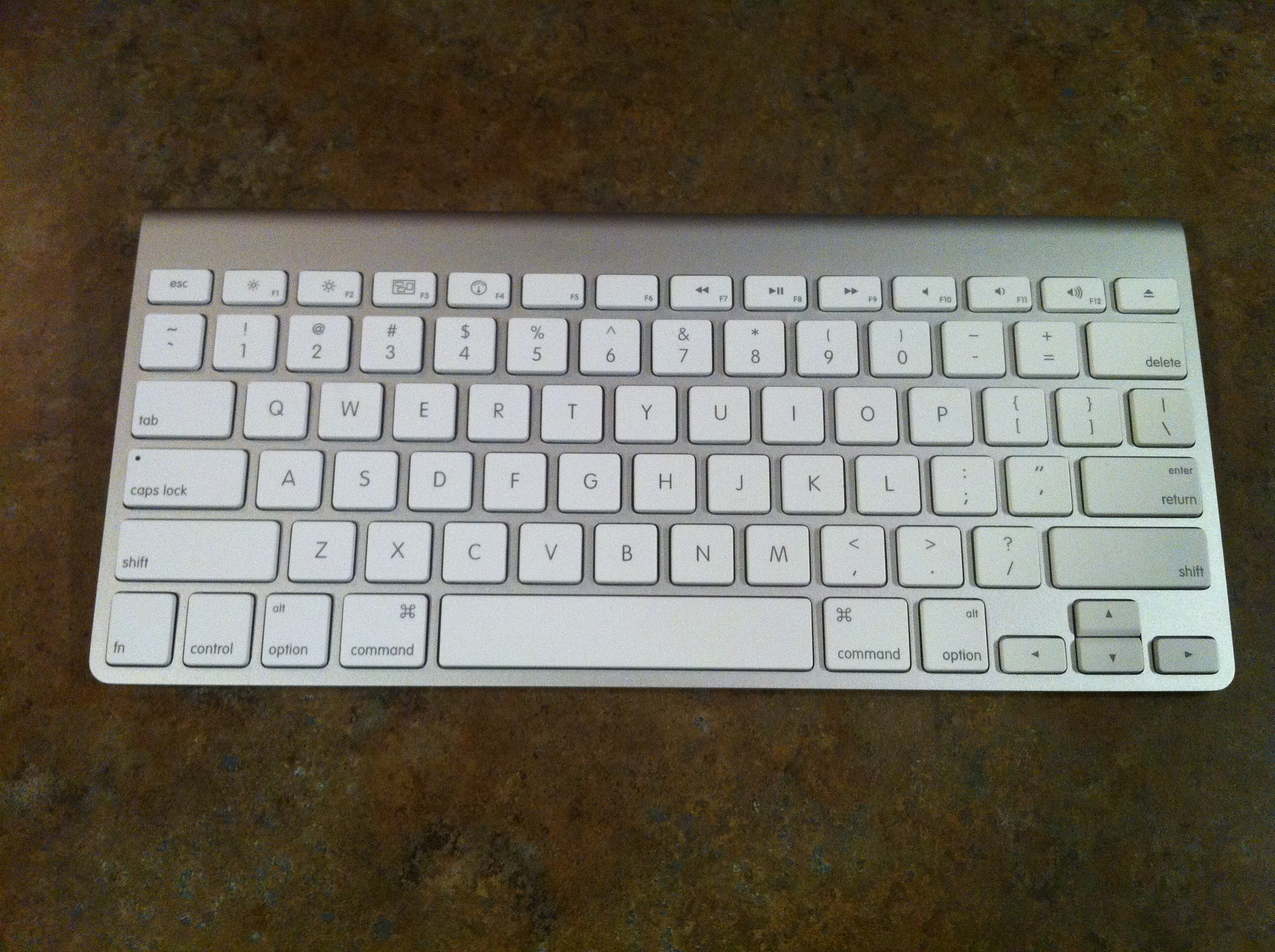 Iphone: Apple Bluetooth Keyboard