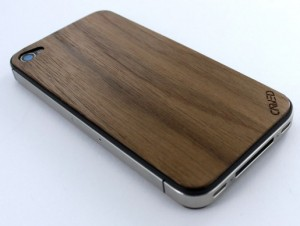 walnut-iphone-4-wood-skin