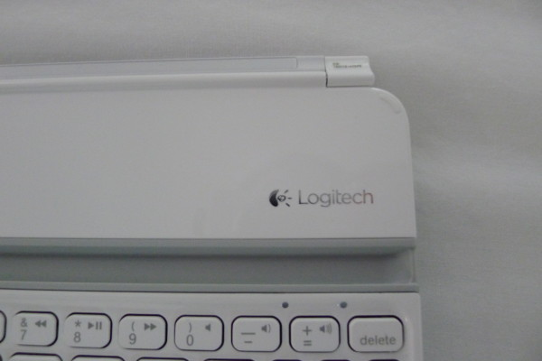logitech-ultrathin-mini-keyboard-logo
