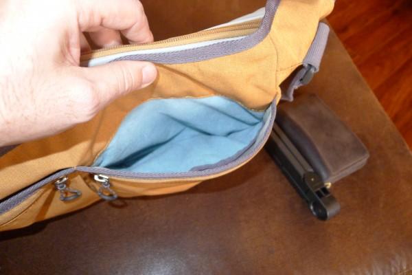 stm-nomad-front-right-pocket