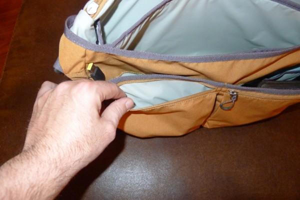 stm-nomad-front-zippered-pocket